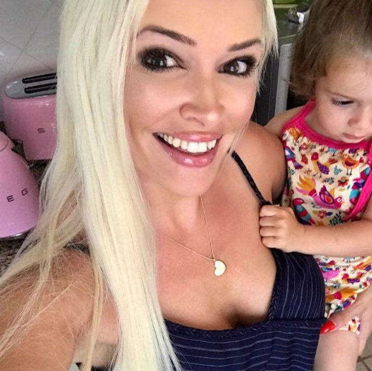 Daniela Katzenberger putzt erst, wenn ihre kleine Tochter schläft