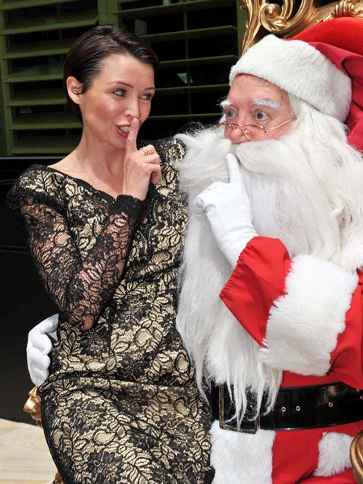 Ho Ho Ho - Stars im WeihnachtsfieberAuch Dannii Minogue (41) scheint ein Fan des Mannes mit dem Rauschebart zu sein. Allerdings darf der wohl ihre Wünsche nicht ausplaudern.