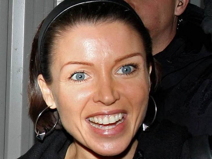 Stars ungeschminktWer so strahlt wie  Dannii Minogue sieht auch ohne Schminke toll aus.