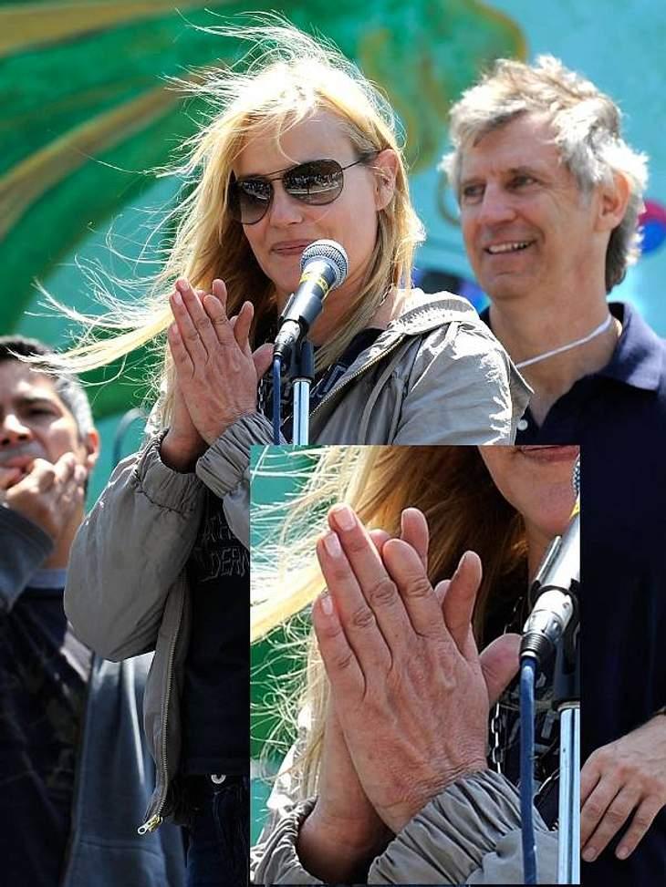 """Schauspielerin Daryl Hannah fehlt die Fingerkuppe des linken Zeigefingers: """"Ich habe mir den Finger im Flaschenzug im Haus meiner Oma eingeklemmt als ich drei war."""""""