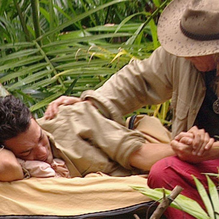 """Dschungelcamp 2012 - Die Highlights,Rückzieher! Daniel Lopes (35) ist der Herausforderung Dschungelcamp nicht gewachsen und hat sich weinend auf sein Feldbett zurückgezogen. Auch bei """"DSDS"""" und """"Das Supertalent"""" scheiter"""