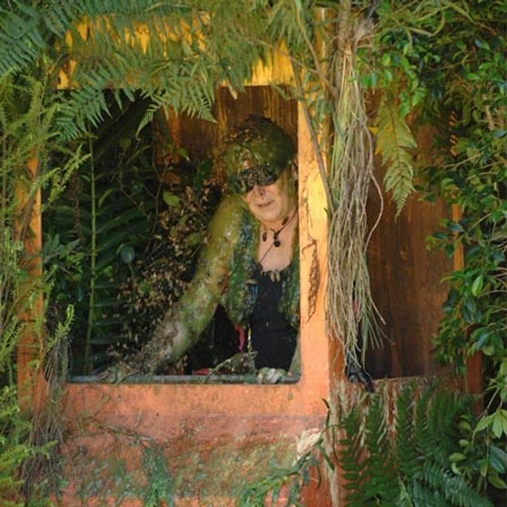 Dschungelcamp 2012 - Die Highlights,Keine Schonfrist! Auch Ramona Leiß (54) hatte schon das Vergnügen, bei einer Dschungelprüfung antreten zu müssen. Sie bekam dabei Ladungen mit Kakerlaken-, Grillen- und Ameisen-Schleim über den Kopf gesch