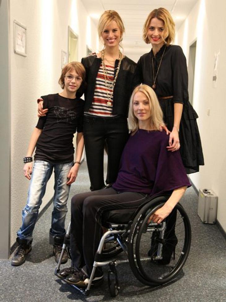 """""""Das perfekte Model"""" """"Das perfekte Model"""" lädt als Verstärkung für die Mädels ganz besondere, gestandene Models mit zu den Shootings: Nina zum Beispiel. Sie sitzt seit einem Autounfall im Rollstuhl.Auch ein Model, das ei"""
