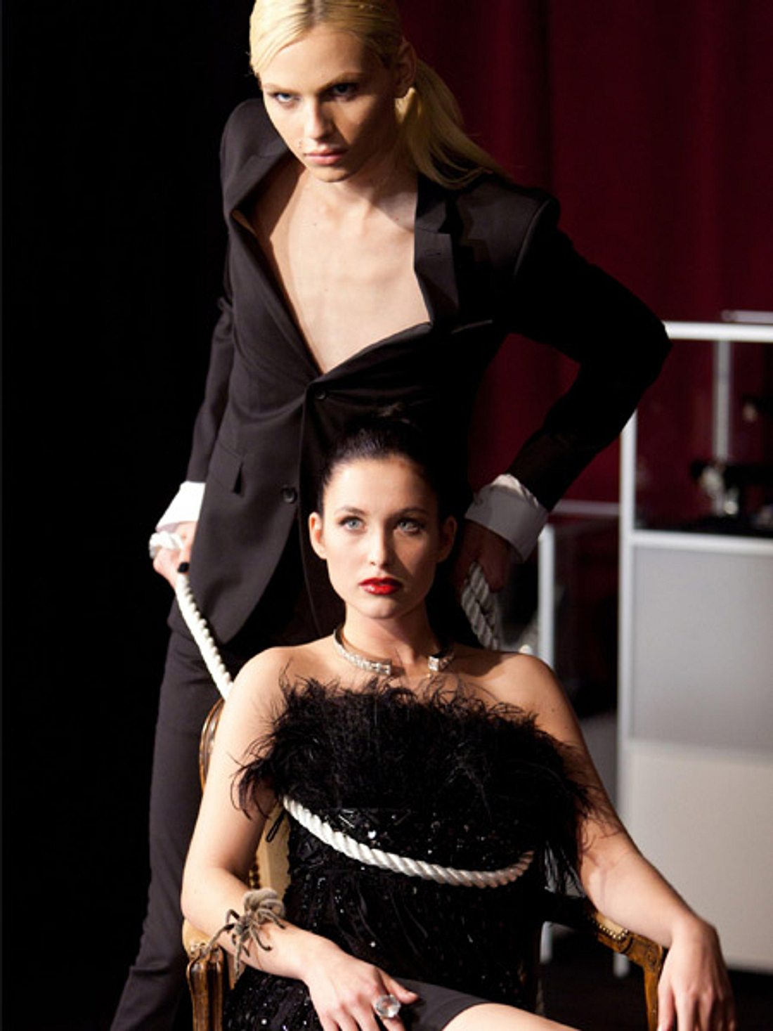 Supermodel Andrej Pejic und Paula-Helen Mannhardt (21) beim Shooting.