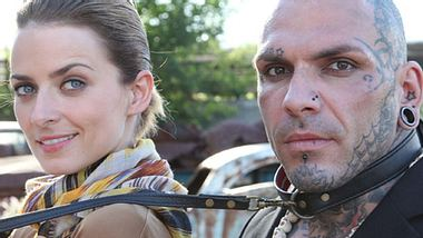 Eva Padberg (32) und Werbedreh-Star Tattitude - Foto: VOX