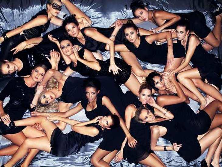 """""""Das perfekte Model"""" Ein wilder Haufen zukünftiger Models. """"Das perfekte Model"""" setzt auf Gruppenfotos.,Stars als Paparazzi >>"""