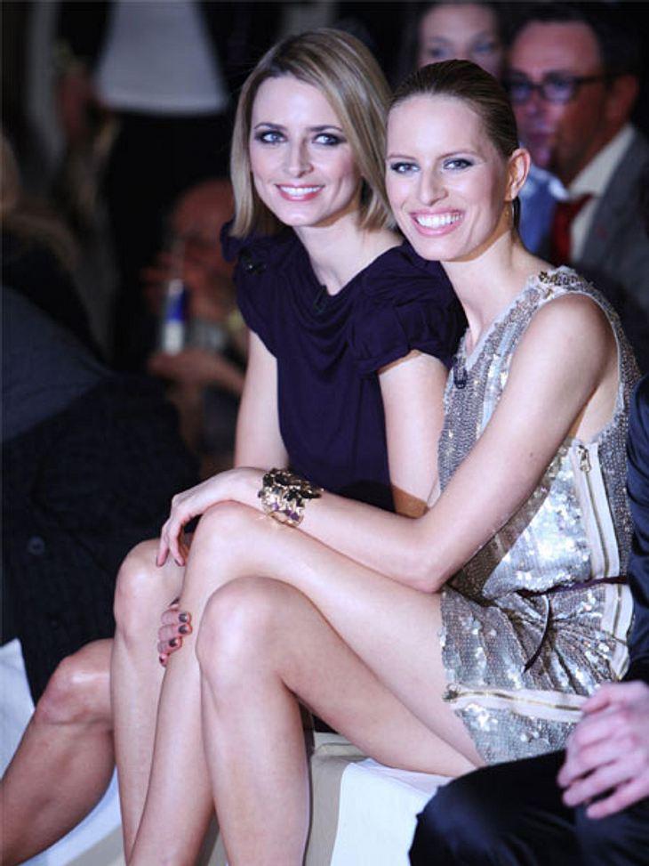 """""""Das perfekte Model""""  Eva Padberg und Karolina Kurkova sehen sich die Sow natürlich aus der ersten Reihe an."""
