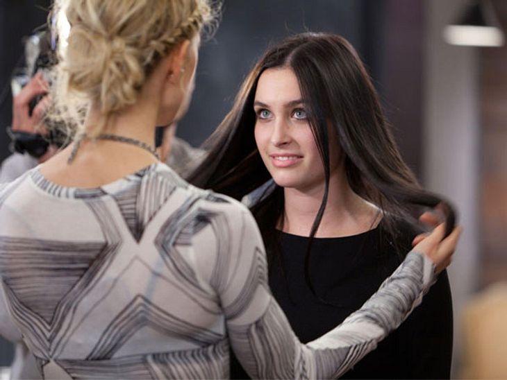 Es geht den Mädels an die Haare.