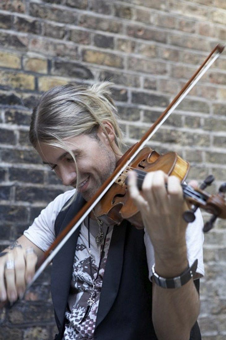 Die Geige ist nicht mehr die Einzige, die so nah an ihn ran darf.