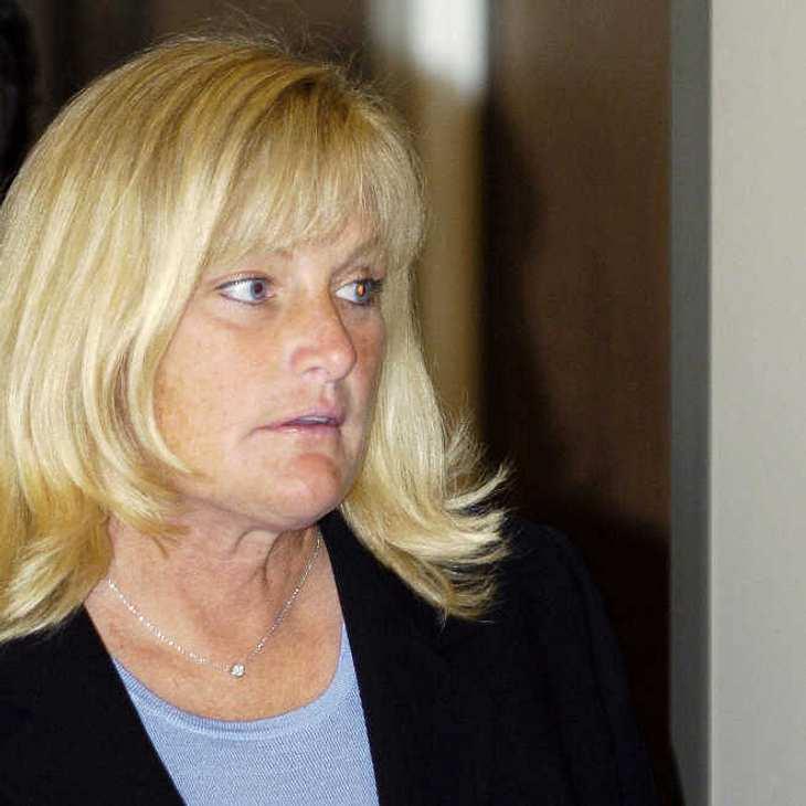 Debbie Rowe: Mutter von Paris Jackson brennt Haus ihrer Freundin nieder!