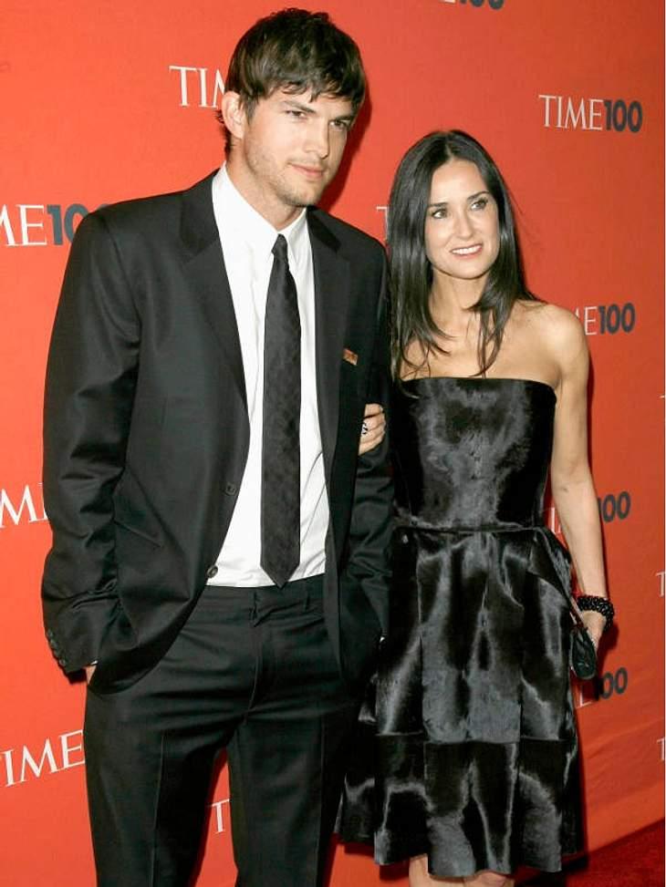 Prominente Paare mit großem AltersunterschiedDemi Moore (49) angelte sich mit Ashton Kutcher (33) einen sehr viel jüngeren Mann. Die Ehe der beiden hielt von 2005 bis 2011. Promi-Frauen 40 plus: Noch viel heißer und stylischer als früher