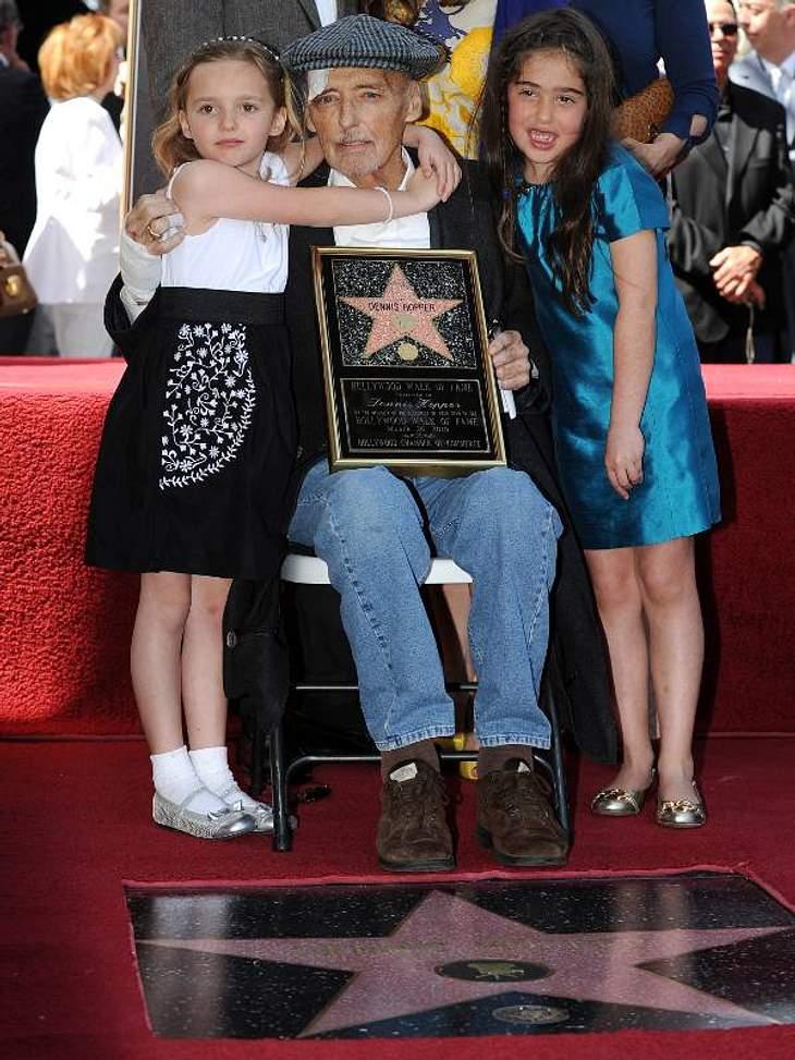 Walk of Fame: Die Sternstunde der Stars,Noch kurz vor seinem Tod bekam Hollywood-Urgestein Dennis Hopper seinen Stern auf dem Walk of Fame.