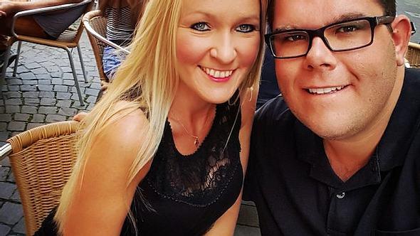 Traumfrau gesucht: Dennis Schick hat sich verlobt - Foto: Facebook / Dennis Schick