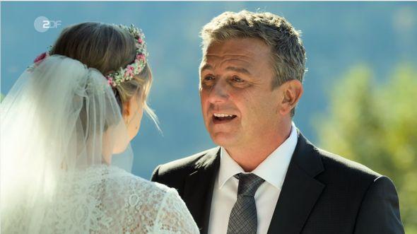 Martin Gruber und Anne heiraten - Foto: Screenshot / ZDF