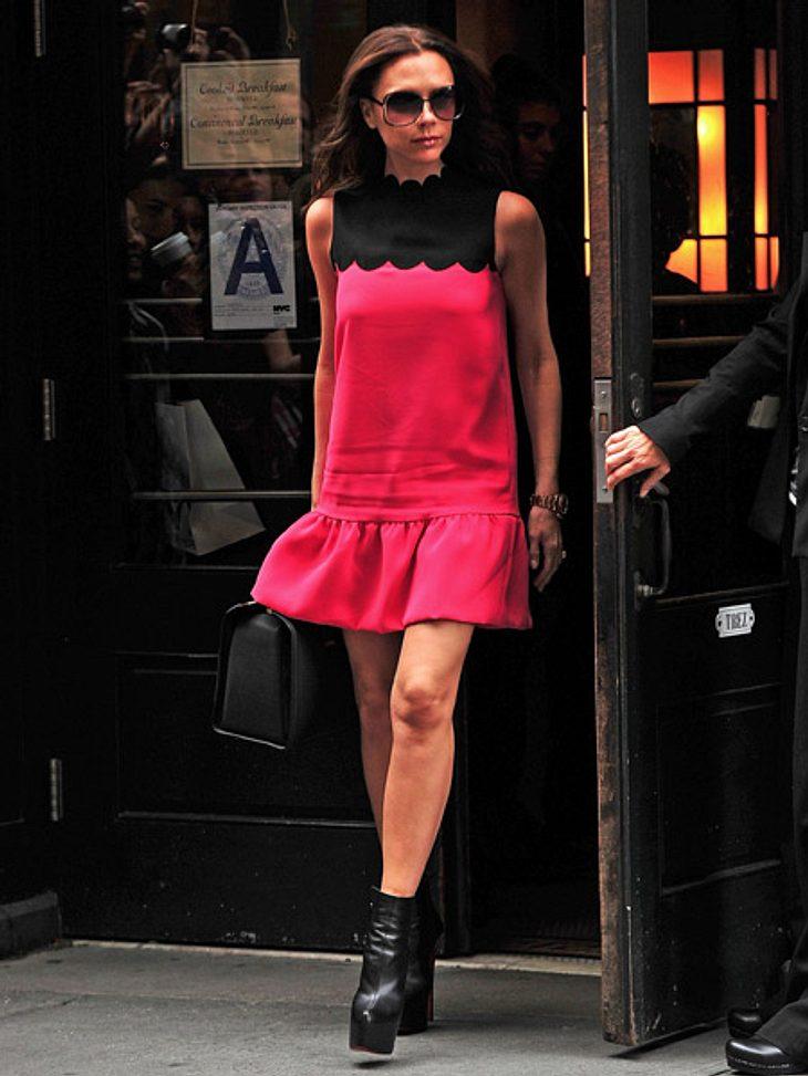 """Die besten Star-Zitate""""Ich habe auf Fotos früher oft gelächelt. Ich glaube, ich hörte erst damit auf, als ich in die Modewelt kam. Fashion hat mein Lächeln gestohlen!"""" - Victoria Beckham (38)"""