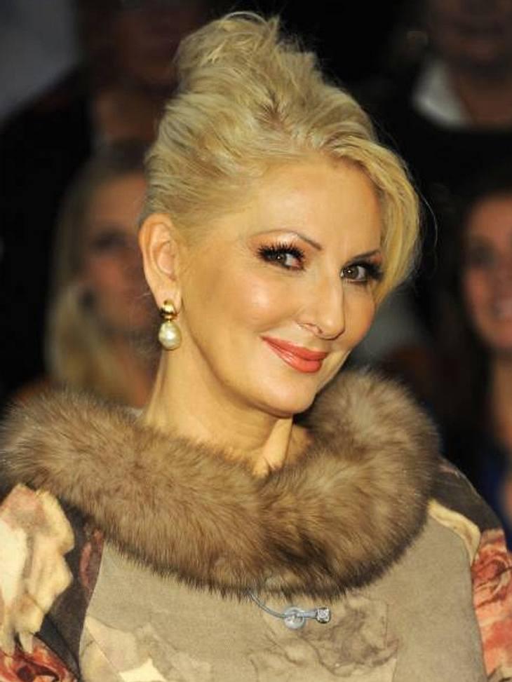 """""""Dschungelcamp"""" - die bisherigen GewinnerDésirée Nick (56) Die Entertainerin war die erste Frau auf dem Dschungel-Thron. Ende 2004 nahm sie an der zweiten """"Ich bin ein Star  Holt mich hier raus!""""-Staffel teil und wurde v"""