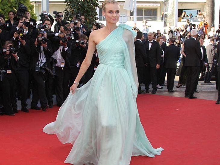 Cannes 2012Göttinnengleich zeigte sich die sehr erschlankte Jurorin der Filmfestspiele, Diane Kruger (35), in Cannes. In einem mintfarbenen One-Shoulder-Kleid zog sie alle Blicke auf sich. Nur der Wind an der französischen Mittelmeerküste w
