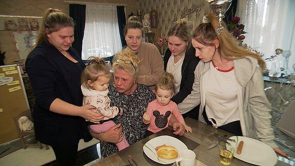 Die Wollnys - Eine schrecklich große Familie! - Foto: RTLZWEI, Splendid Studios