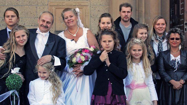 Großfamilie Wollny bei der Hochzeit von Papa Dieter und Mama Silvia