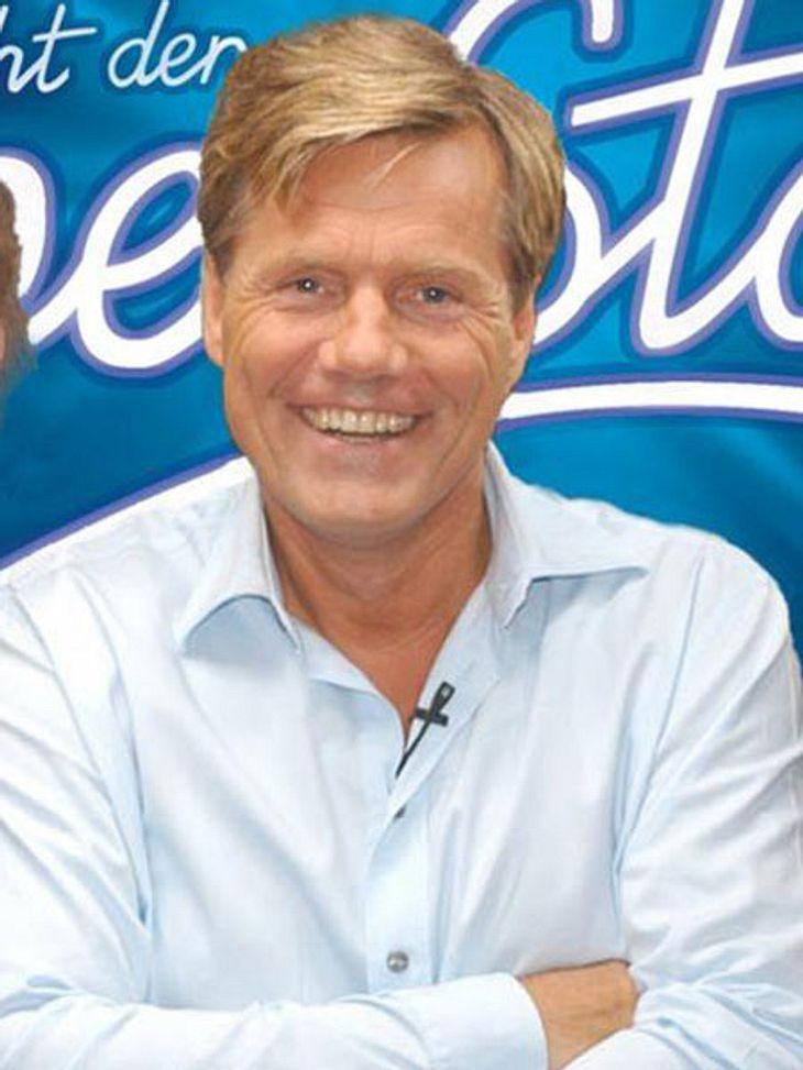 Dieter Bohlen: Sein Gesicht im Wandel der Zeit (2002),2002 wurde die erste Staffel von DSDS ausgestrahlt. Schon in der ersten Staffel saß Bohlen in der Jury und bewertete die neuen Talente mit spitzer Zunge. Das bis heute größte Casting-For