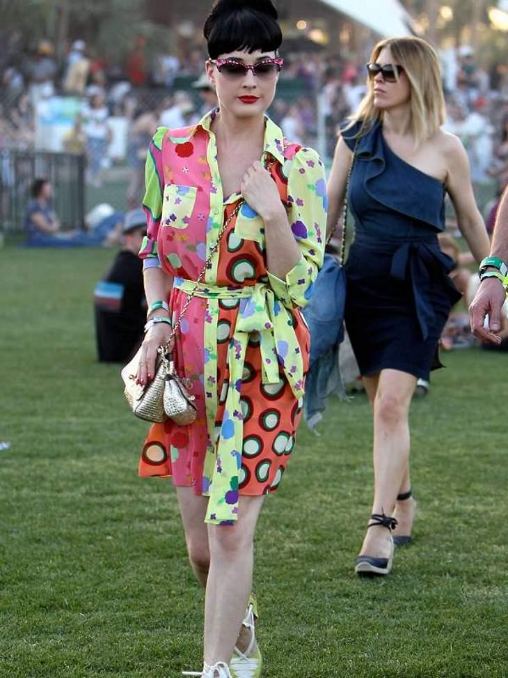 Coachella Festival Sogar  Dita von Teese ist Festival-Fan, da kommt sie sogar etwas legerer gekleidet.