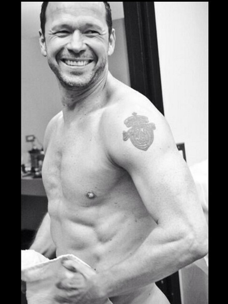 Donnie Wahlberg mit sexy Sixpack