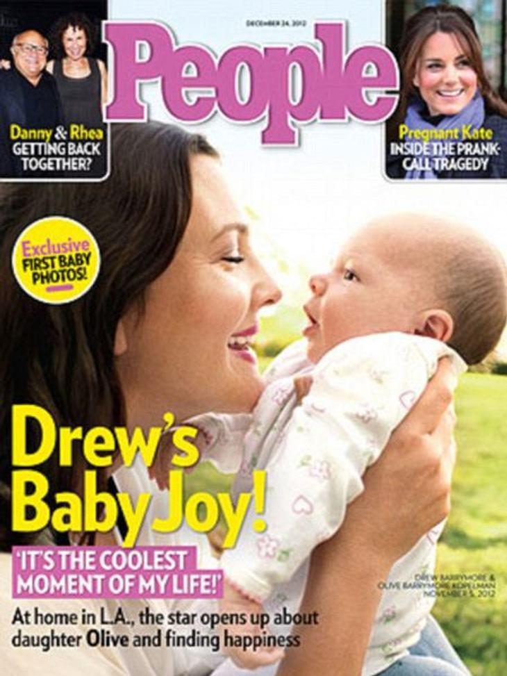 Jahresrückblick 2012 - Die schönsten Momente der StarsÜberglücklich: Drew Barrymore ist im September 2012 zum ersten Mal Mutter geworden. Olive ist der ganze Stolz von Drew und Will.Ebenso stolz sind Sarah Michelle Gellar, Nick Lachey, Rees