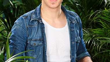 Ist Joey bald der neue Dschungelkönig? - Foto: RTL / Stefan Gregorowius