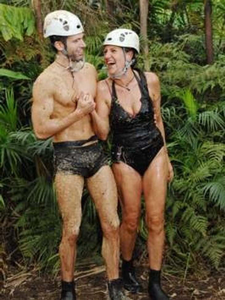 """Neues aus dem DschungelcampZur Dschungelprüfung treten """"Schauspiel-König"""" Jay Kahn und """"Möchtegern-Psychologin"""" Katy Karrenbauer an. Sie müssen Memory spielen. Für jeden falschen Spielzug gibt es eine fiese Überraschung,"""