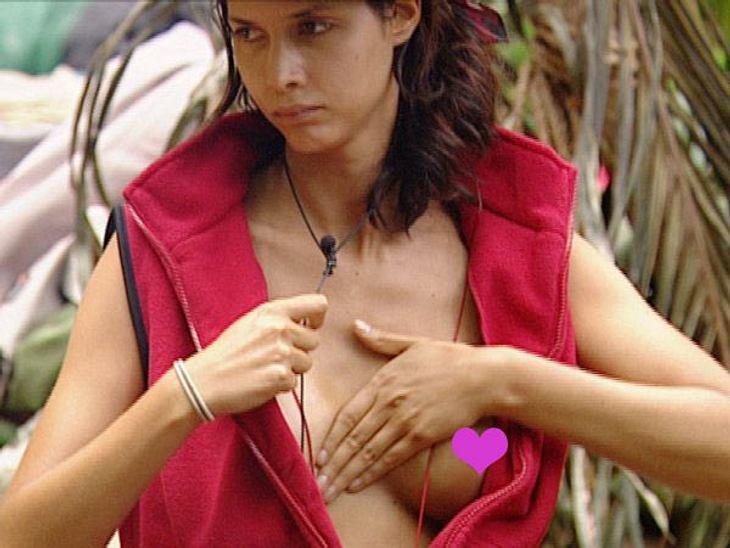 Dschungelcamp 2012 - Die Highlights Als Jazzy (36) und Radost (36) von ihrer Schatzsuche nur Massage-Öl zurück bringen, war die Enttäuschung im Camp groß. Nur Micaela rief gleich, dass sie was mit dem Massage-Öl anfangen könnte. Prompt fing