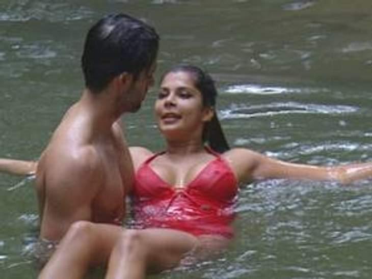 """Neues aus dem, DschungelcampWährenddessen kommen sich im Dschungelcamp zwei Kandidaten näher. Jay Kahn und Indira Weis flirten im See. In knappen Badesachen und mit viel Körperkontakt planschen sie im Wasser.Alle Infos zu """"Ich bin ein"""