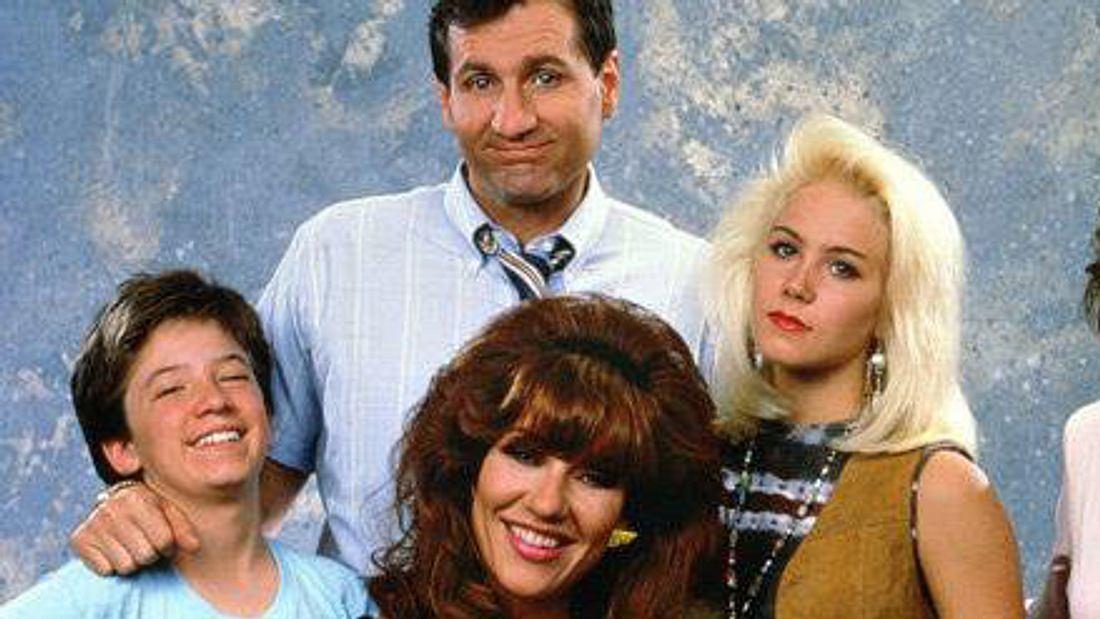 Christina Applegate als Kelly Bundy mit ihrer Familie