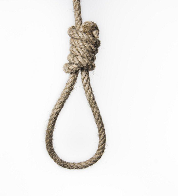 11-Jähriger lebendig aufgehängt, vergewaltigt und zerstückelt