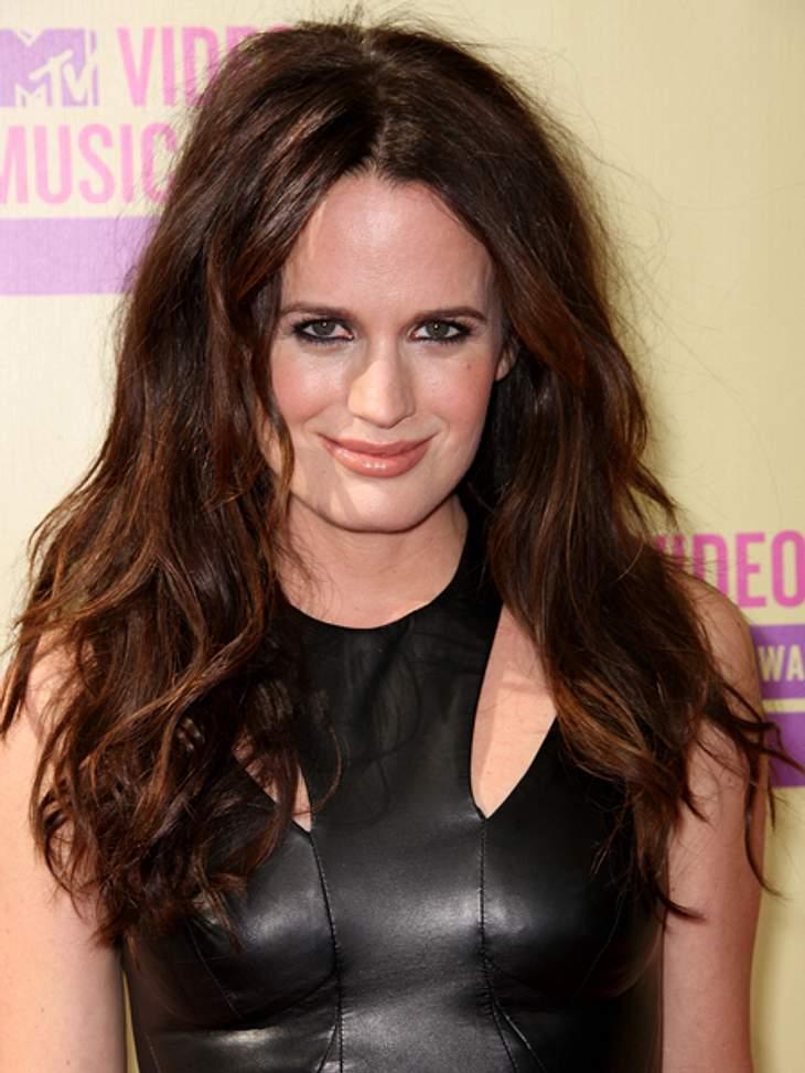 """Der Style der VMA 2012: Tops & Flops""""Twilight""""-Darstellerin Elizabeth Reaser  (37) tat es Demi gleich und trug ein Lederkleid mit Cut-Outs. Schön dazu: Die wilde Mähne. Fazit: TOP"""