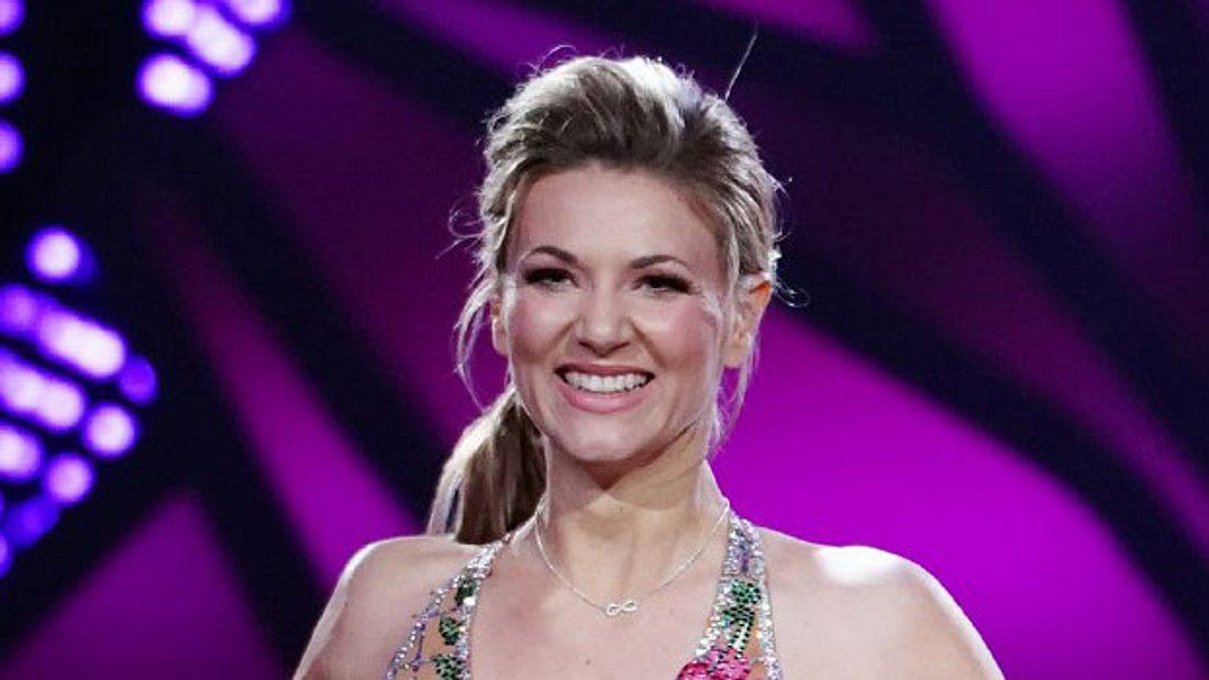 Findet Ella Endlich bei Let's Dance die große Liebe?
