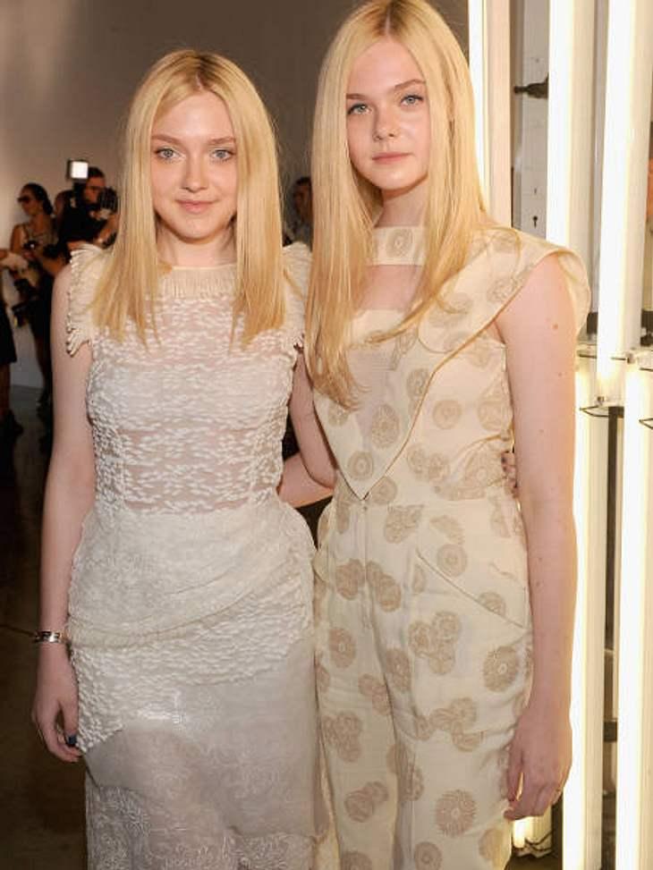 Die heißesten Promi-GeschwisterEinfach überirdisch schön: Die Schwestern Elle (14, r.) und Dakota Fanning (18, l.) sind trotz ihres jugendlichen Alters schon richtige Mega-Stars. Elle Fanning stand bereits mit Brad Pitt (48) für den Film &q
