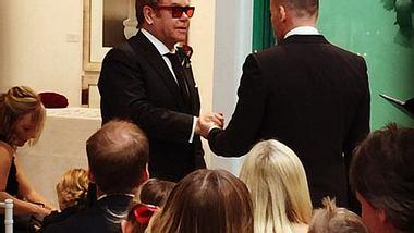 Endlich können sie sich richtig das Ja-Wort geben - Foto: Instagram / Elton John