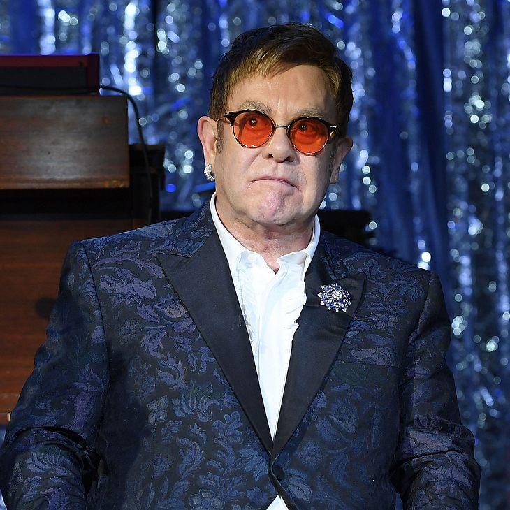 Elton John kämpft um sein Leben