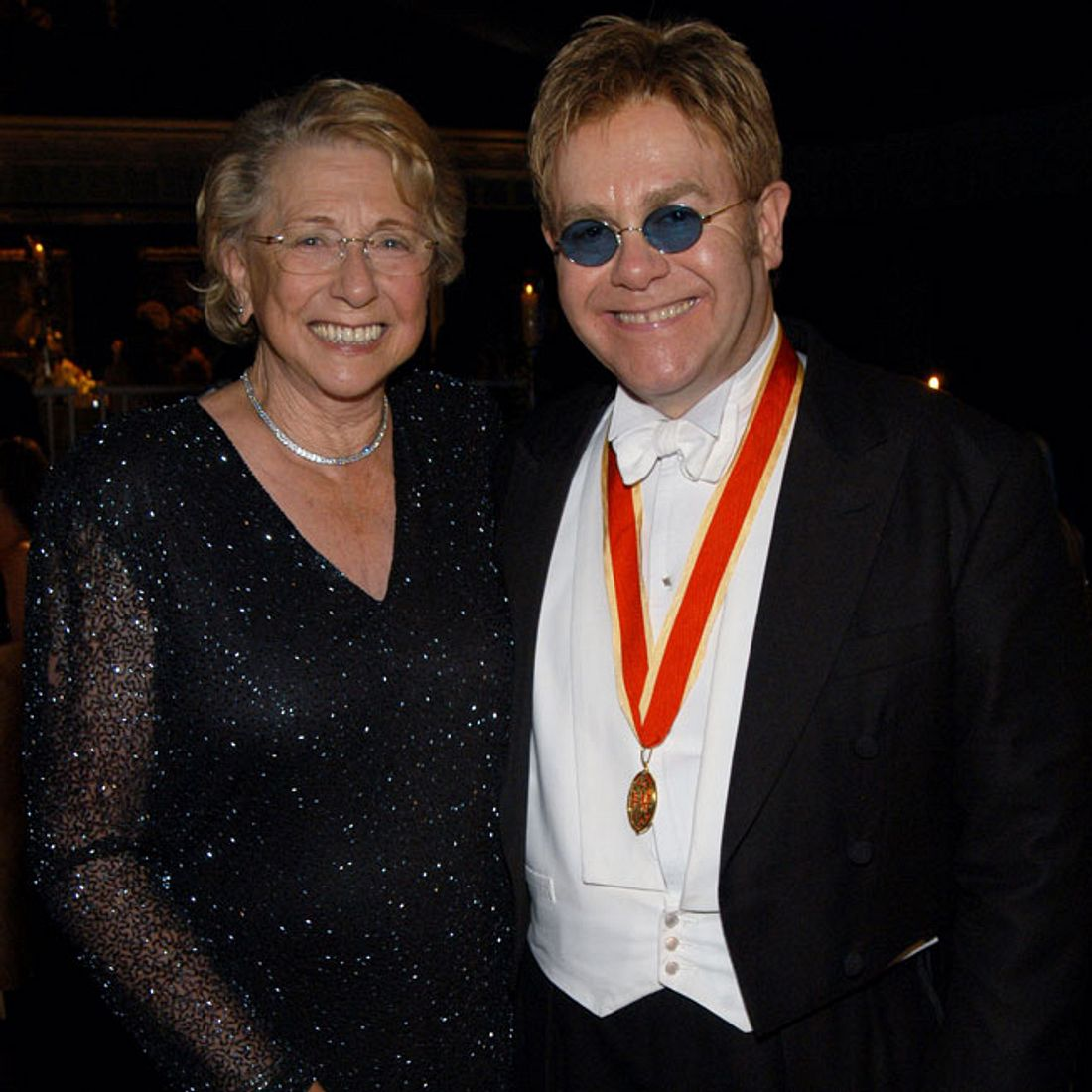 Elton John: Große Trauer um seine Mutter!
