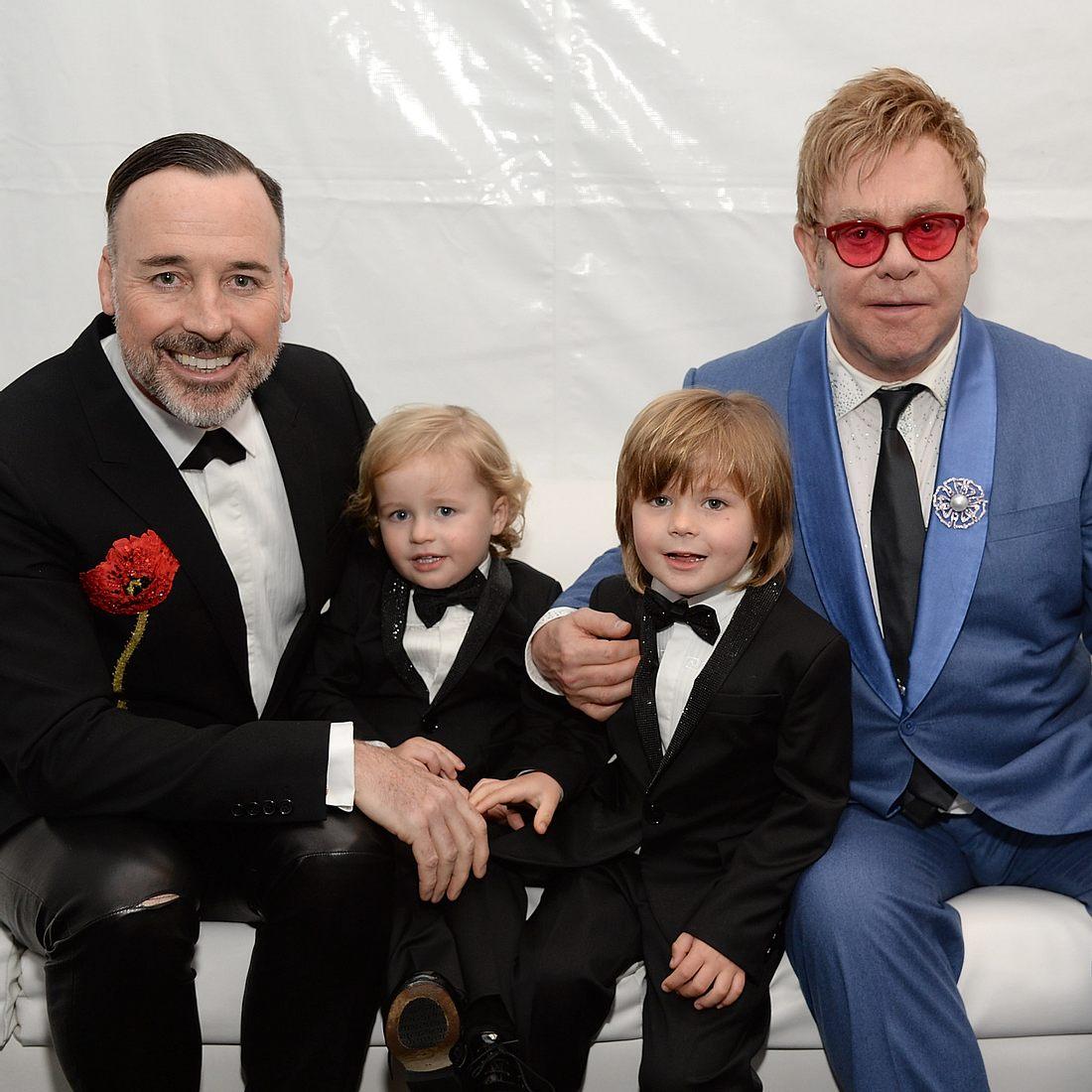 Elton John will seinen Söhnen etwas beibringen