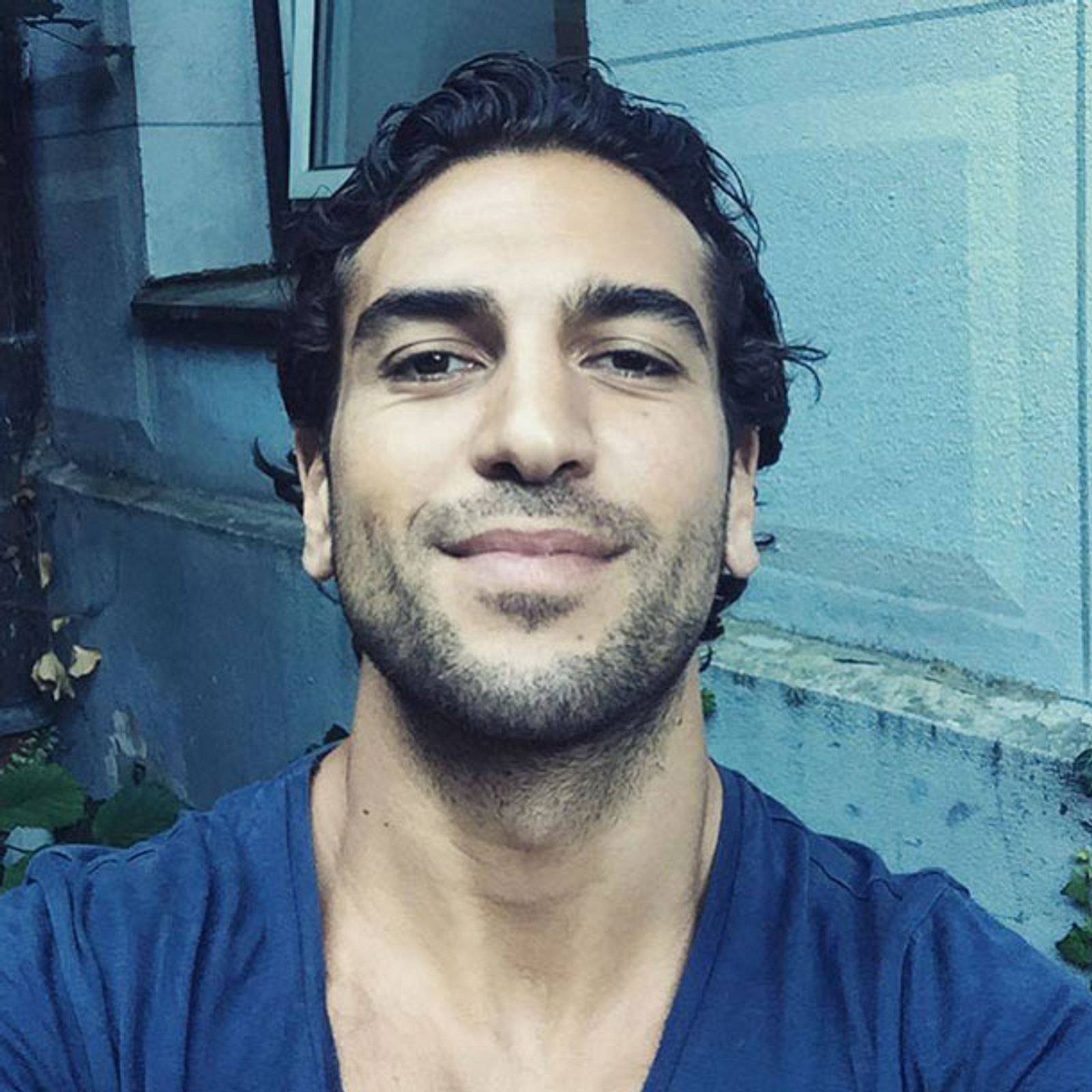Elyas MBarek postet Nacktfoto | InTouch