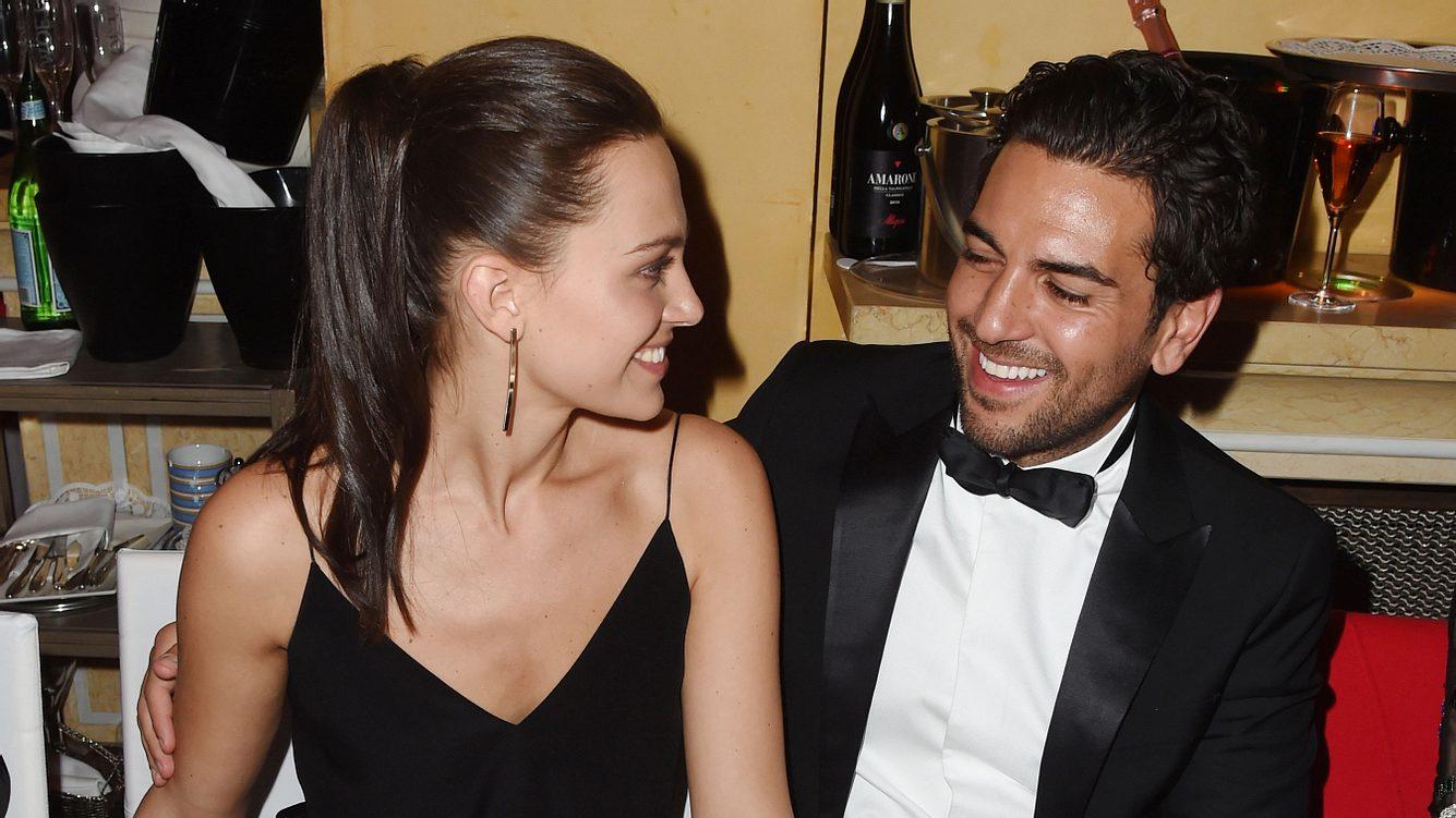 Elyas M'Barek mit seiner neuen Freundin Julia
