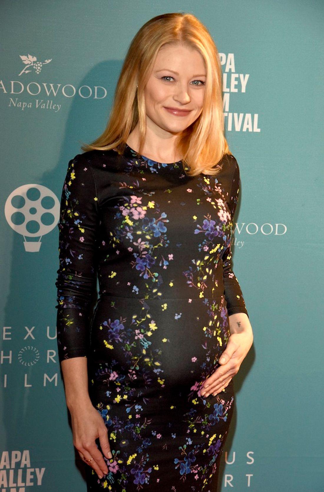Emilie de Ravin: Der Lost-Star zeigt seine süße Babykugel