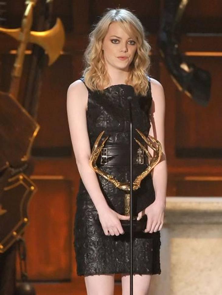 """Die Stars lieben LederEmma Stone (23) nahm in diesem Lederkleid den """"Hot and Funny""""-Award entgegen - und hot sah sie in diesem Outfit auf jeden Fall aus."""