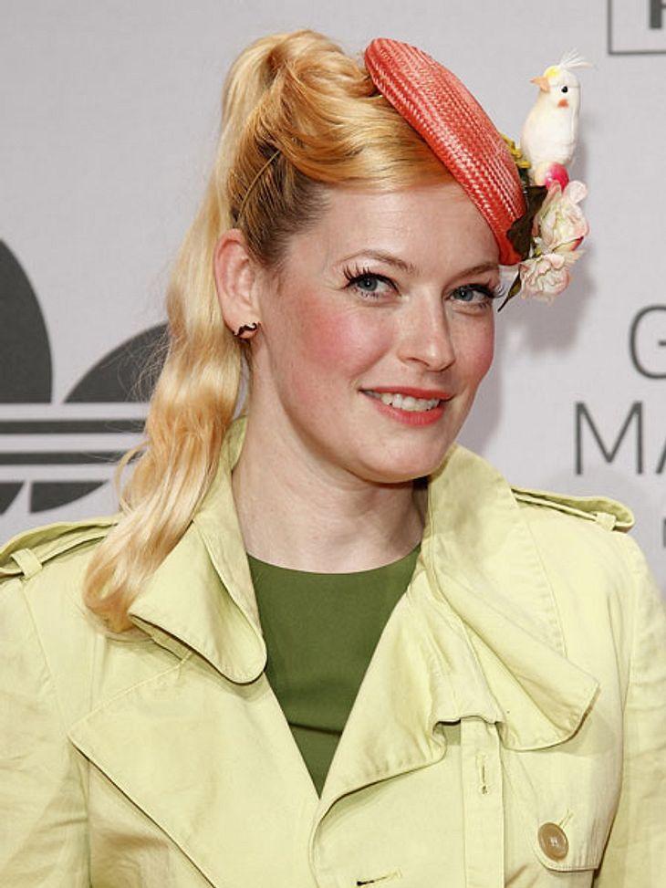 Enie van de Meiklokjes, Actress: Alarmcode Enie van de Meiklokjes was born on August 1, in Potsdam, Brandenburg, Germany as Doreen Grochowski. She is an actress, known for Alarmcode (), Geliebte Schwestern () and Bernds Hexe (). She has been married to Tobias Stærbo since June 14, Author: Enie van de Meiklokjes..