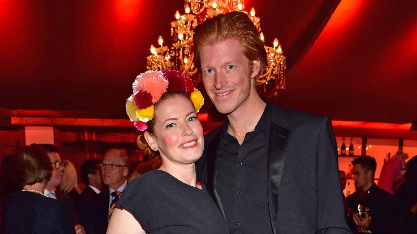 Enie van de Meiklokjes und ihr Ehemann Tobias Stærbo