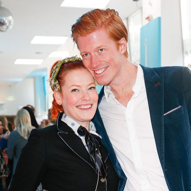 Enie van de Meiklokjes und Tobias Straebo erwarten ein Kind
