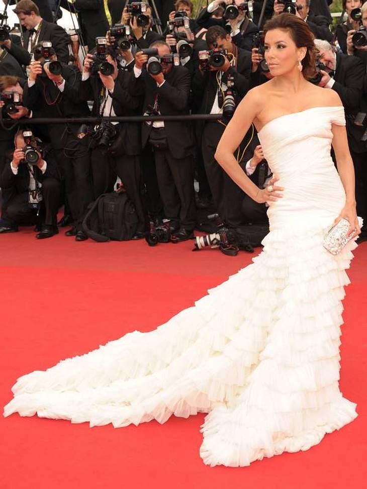 Die Luxus-Ballkleider der StarsGekauft! - Das würde wohl jede Frau zu dieser Traumrobe von  Eva Longoria sagen.