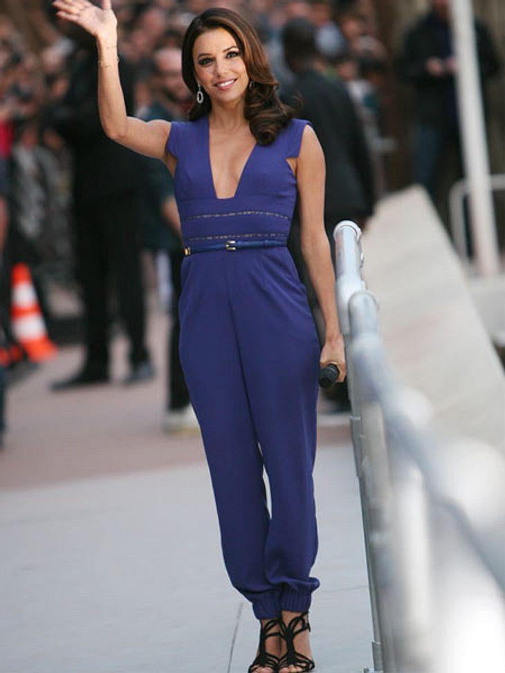 """Cannes 2012Ganz praktisch war Eva dann zur TV-Show """"Le Grand Journal"""" anlässlich der Filmfestspiele angezogen. Aber die """"Desperate Housewives""""-Darstellerin sieht sogar im Jumpsuit sehr elegant aus."""