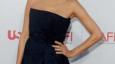 Eva Mendes ist natürlich schön! Nachgeholfen wird trotzdem... - Foto: Jon Kopaloff/Getty Images